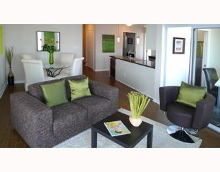 """Photo 5: 3006 188 KEEFER Place in Vancouver: Downtown VW Condo for sale in """"ESPANA - TOWER B"""" (Vancouver West)  : MLS®# V779742"""