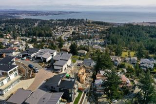 Photo 6: 3470 Vantage Pt in : Co Triangle House for sale (Colwood)  : MLS®# 869159