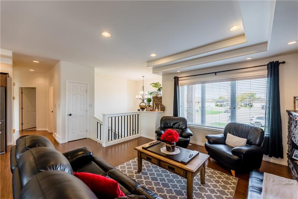 Photo 13: Photos: 18 JUNIPER Avenue in Steinbach: Southwood Residential for sale (R16)  : MLS®# 202024800