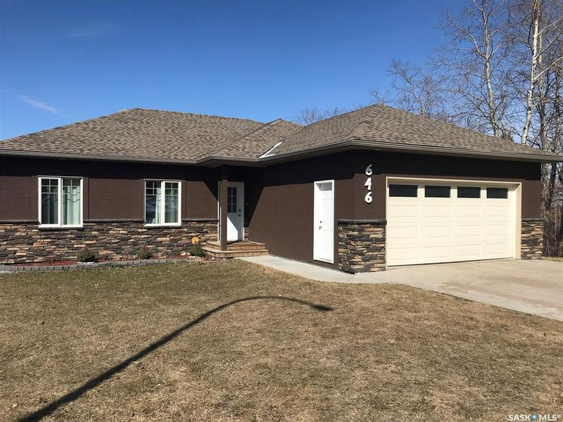 FEATURED LISTING: 646 19th Street West Prince Albert