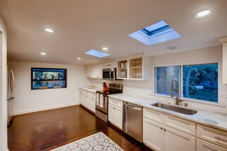 Photo 8: MOUNT HELIX House for sale : 5 bedrooms : 9255 Mollywoods Avenue in La Mesa