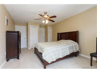 Photo 10: 639 Treanor Ave in VICTORIA: La Thetis Heights House for sale (Langford)  : MLS®# 671823