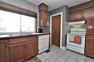 Photo 10: 15 WESTVIEW Drive SW in Calgary: Westgate House for sale : MLS®# C4173447