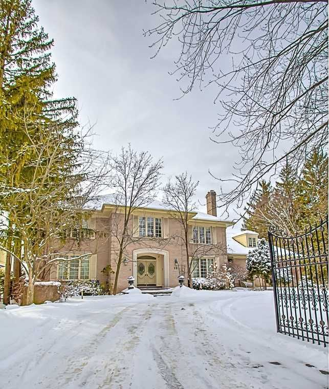 Main Photo: 10 Doncrest Drive in Markham: Bayview Glen House (2-Storey) for sale : MLS®# N5146499