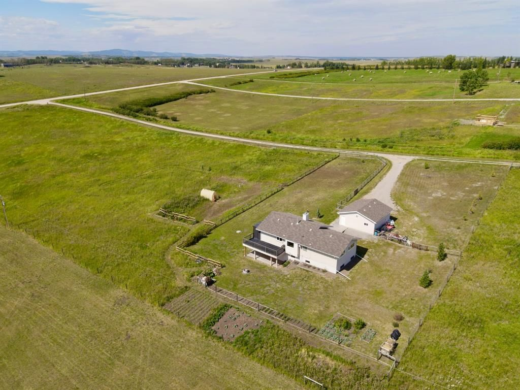 Main Photo: 263114 Range Road 43 in Rural Rocky View County: Rural Rocky View MD Detached for sale : MLS®# A1026142