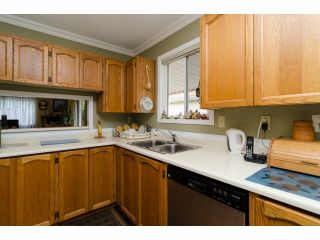 """Photo 10: 42 1400 164 Street in Surrey: King George Corridor House for sale in """"Gateway Gardens"""" (South Surrey White Rock)  : MLS®# F1419963"""