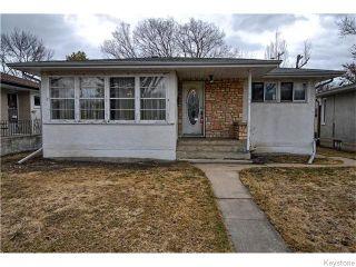Photo 1: 586 Niagara Street in Winnipeg: River Heights / Tuxedo / Linden Woods Residential for sale (South Winnipeg)  : MLS®# 1608596