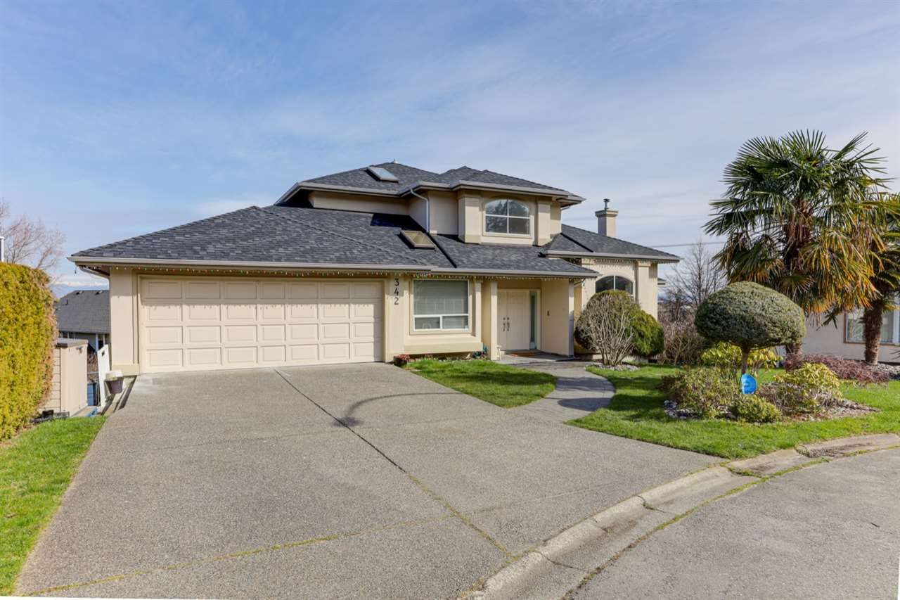 """Photo 2: Photos: 342 ROSEHILL Wynd in Delta: Pebble Hill House for sale in """"ROSEHILL"""" (Tsawwassen)  : MLS®# R2563292"""