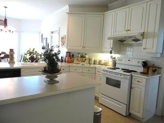 Photo 6: 7975 144A STREET in SURREY: Home for sale