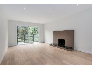 """Photo 4: 2116 E 19TH Avenue in Vancouver: Grandview VE House for sale in """"TROUT LAKE"""" (Vancouver East)  : MLS®# V1088233"""
