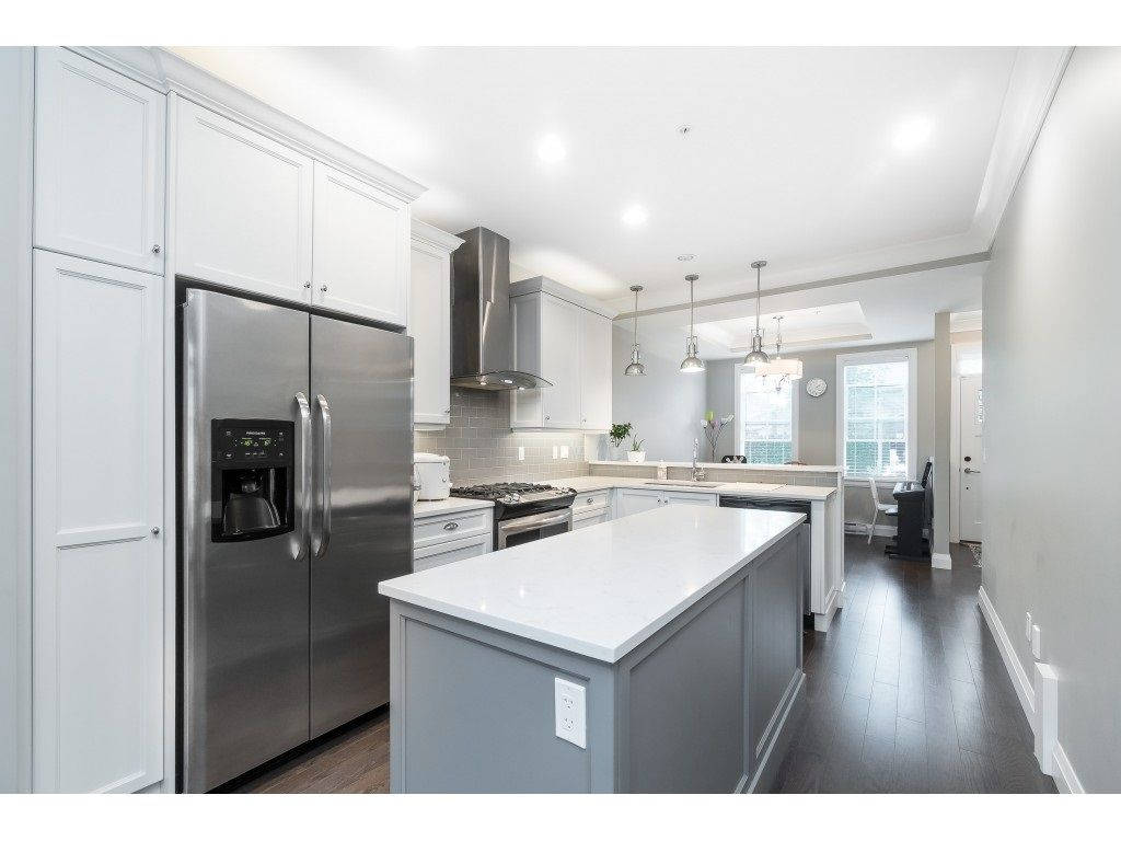 """Photo 11: Photos: 4 45526 TAMIHI Way in Sardis: Vedder S Watson-Promontory Townhouse for sale in """"BRIXTON STATION PHASE 2"""" : MLS®# R2459352"""