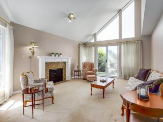 """Photo 2: 24 1925 INDIAN RIVER Crescent in North Vancouver: Indian River Townhouse for sale in """"Windermere"""" : MLS®# R2283604"""