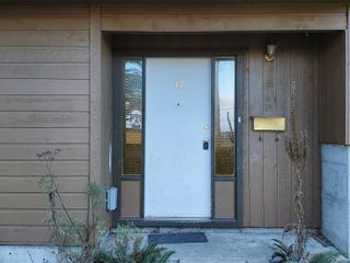 Photo 3: 17 855 Howard Ave in : Na South Nanaimo Row/Townhouse for sale (Nanaimo)  : MLS®# 865716