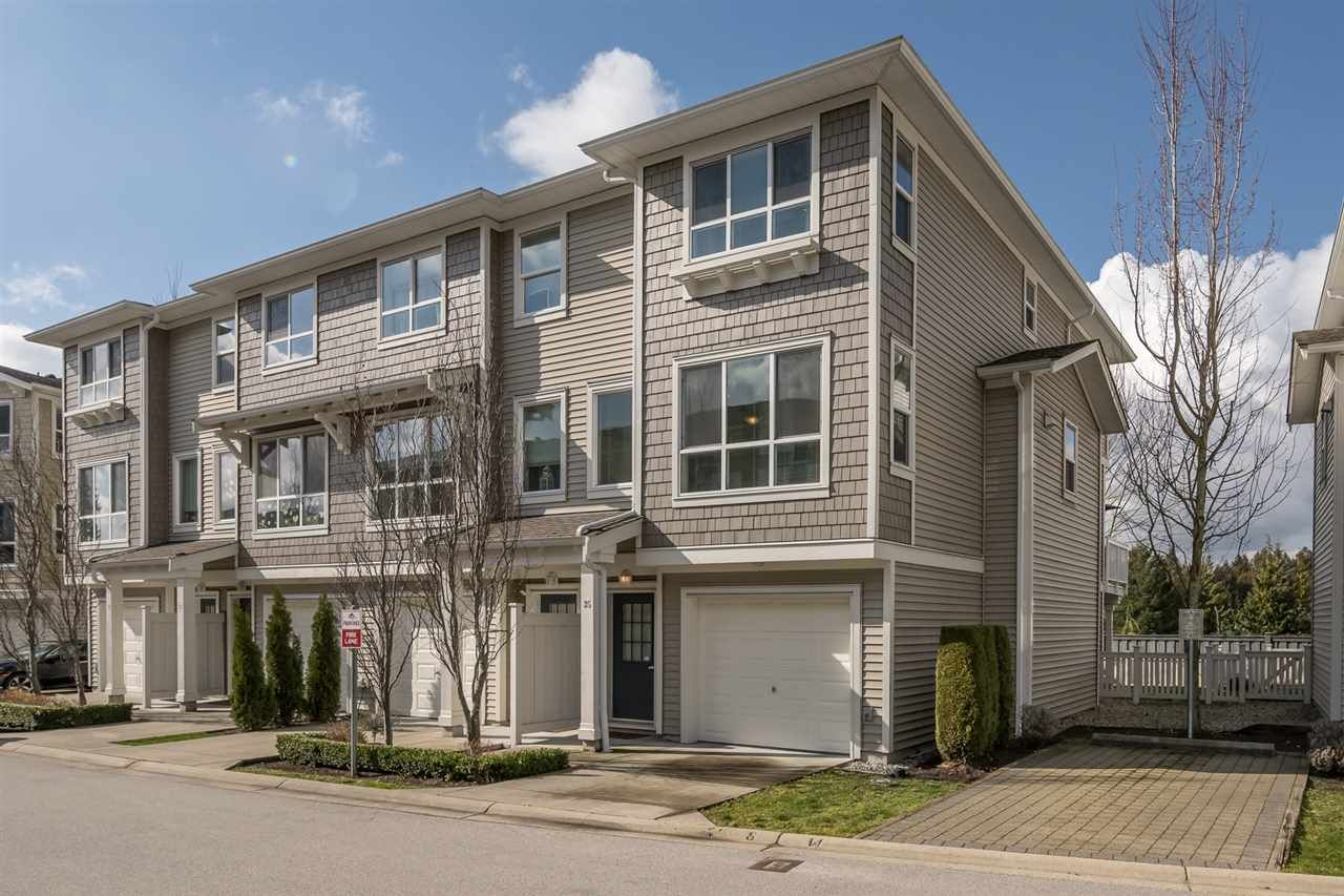 """Main Photo: 35 8355 DELSOM Way in Delta: Nordel Townhouse for sale in """"Spyglass at Sunstone by Polygon"""" (N. Delta)  : MLS®# R2550790"""