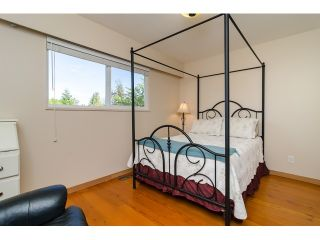 Photo 14: 15871 THRIFT Avenue: White Rock House for sale (South Surrey White Rock)  : MLS®# R2057585