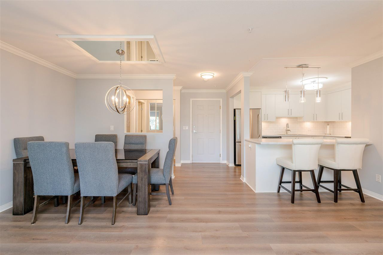 """Main Photo: 307 15150 29A Avenue in Surrey: King George Corridor Condo for sale in """"The Sands 2"""" (South Surrey White Rock)  : MLS®# R2464623"""