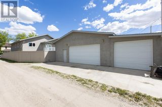 Photo 5: 332 15 Street N in Lethbridge: House for sale : MLS®# A1114555
