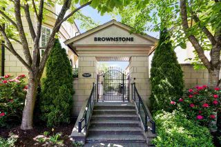 """Photo 1: 2939 LAUREL Street in Vancouver: Fairview VW Townhouse for sale in """"BROWNSTONE"""" (Vancouver West)  : MLS®# R2597840"""