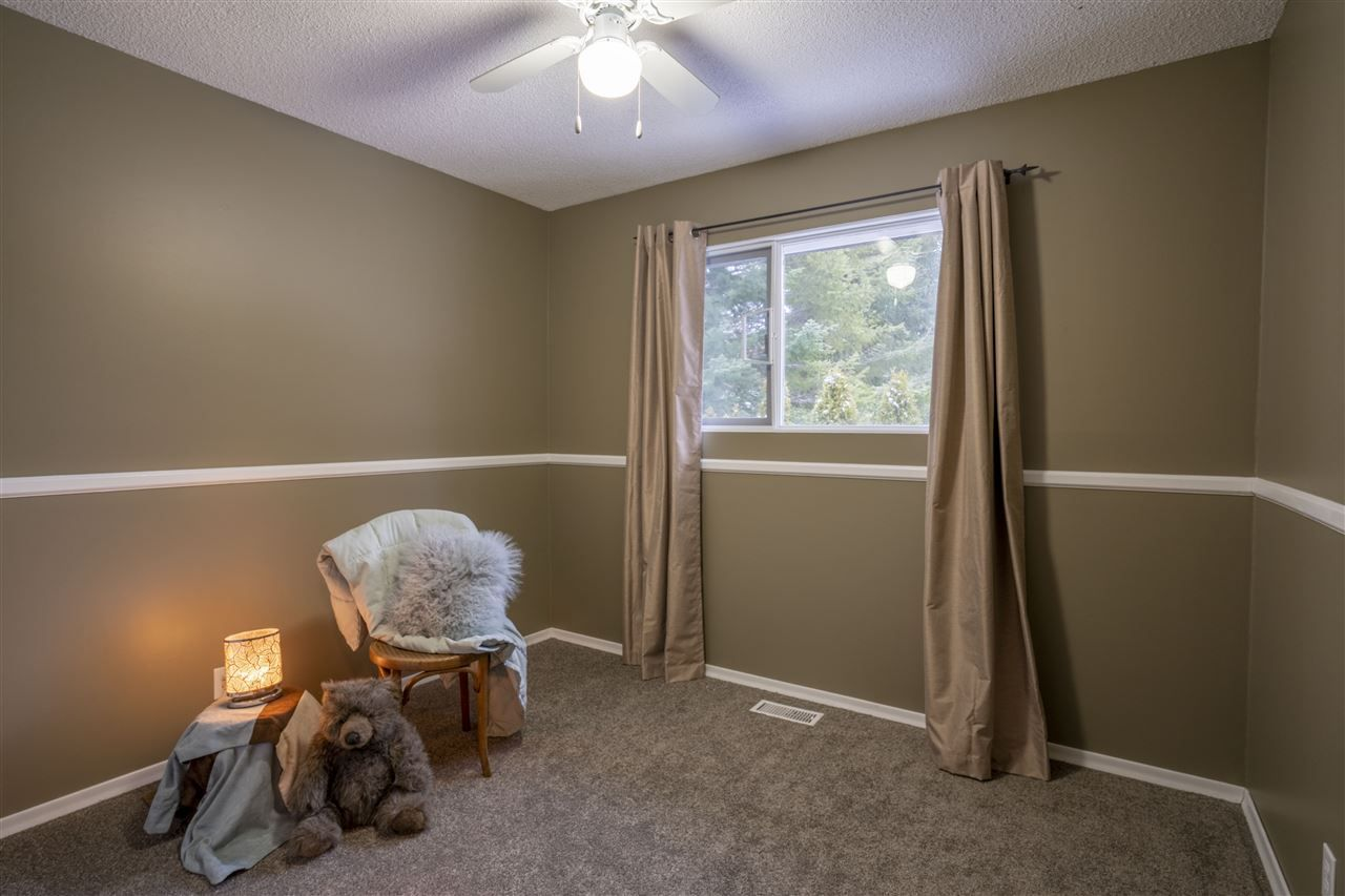 """Photo 15: Photos: 7827 QUEENS Crescent in Prince George: Lower College House for sale in """"LOWER COLLEGE HEIGHTS"""" (PG City South (Zone 74))  : MLS®# R2422885"""