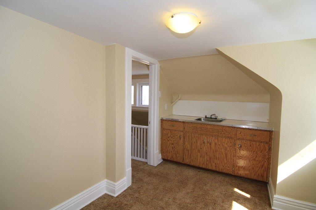 Photo 39: Photos: 118 Home Street in Winnipeg: Wolseley Duplex for sale (West Winnipeg)  : MLS®# 1308790