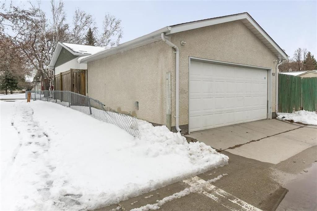 Photo 30: Photos: 93 Pike Crescent in Winnipeg: East Elmwood Residential for sale (3B)  : MLS®# 202108663