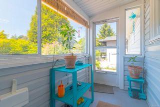 Photo 15: 2416 Mowat St in : OB Henderson House for sale (Oak Bay)  : MLS®# 881551
