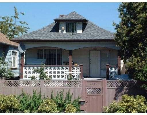 Main Photo: 1587 E 12TH AV in Vancouver: Grandview VE House for sale (Vancouver East)  : MLS®# V551773