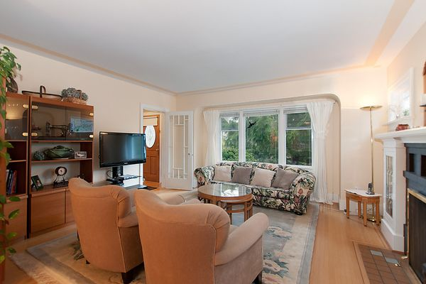 Photo 4: Photos: 4073 W 19TH Avenue in Vancouver: Dunbar House for sale (Vancouver West)  : MLS®# V995201