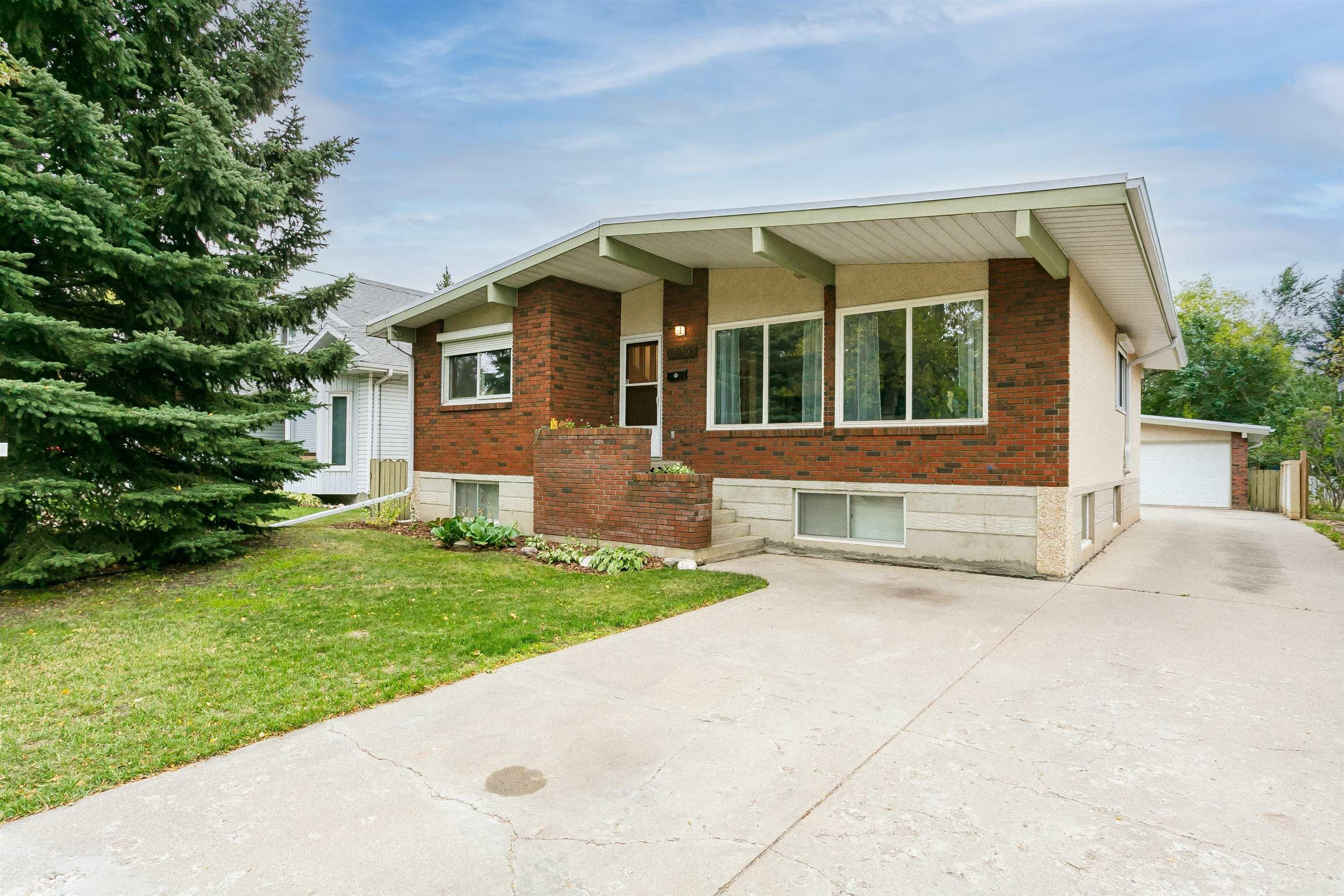 Main Photo: 10905 57 Avenue in Edmonton: Zone 15 House for sale : MLS®# E4263386