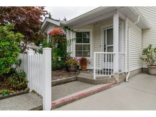 """Photo 2: 8 6537 138 Street in Surrey: East Newton Townhouse for sale in """"Charleston Green"""" : MLS®# R2105934"""