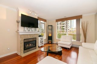 """Photo 4: 405 2138 MADISON Avenue in Burnaby: Brentwood Park Condo for sale in """"MOSAIC RENAISSANCE"""" (Burnaby North)  : MLS®# R2222436"""