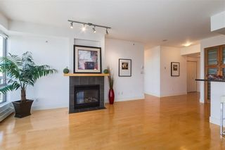 Photo 10: 2504 1078 6 Avenue SW in Calgary: Downtown West End Apartment for sale : MLS®# C4264239