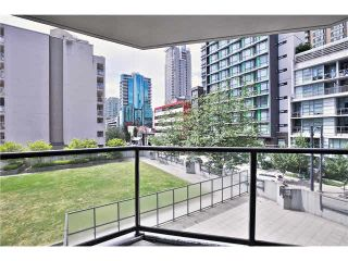 """Photo 17: 307 1212 HOWE Street in Vancouver: Downtown VW Condo for sale in """"1212 HOWE - MIDTOWN"""" (Vancouver West)  : MLS®# V1078871"""