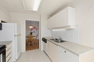"""Photo 8: 1004 2668 ASH Street in Vancouver: Fairview VW Condo for sale in """"Cambridge Gardens"""" (Vancouver West)  : MLS®# R2578682"""