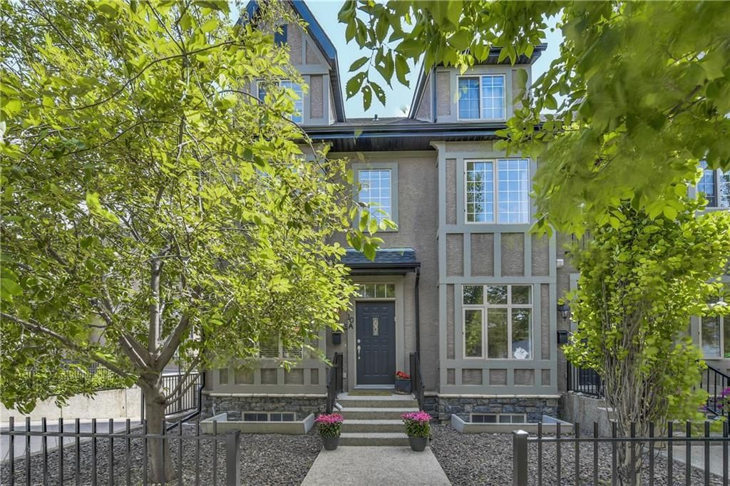 Main Photo: 10A 11 Scarpe Drive: Calgary ATTACHED for sale : MLS®# C4119284