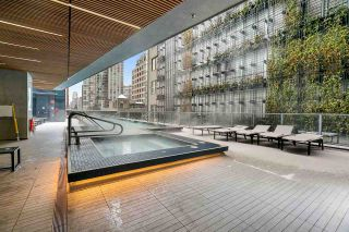 """Photo 16: PH2 777 RICHARDS Street in Vancouver: Downtown VW Condo for sale in """"Telus Garden"""" (Vancouver West)  : MLS®# R2429088"""