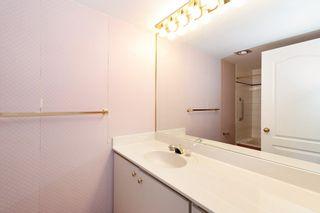 Photo 14: 401 1455 DUCHESS Avenue in West Vancouver: Ambleside Condo for sale : MLS®# R2364582