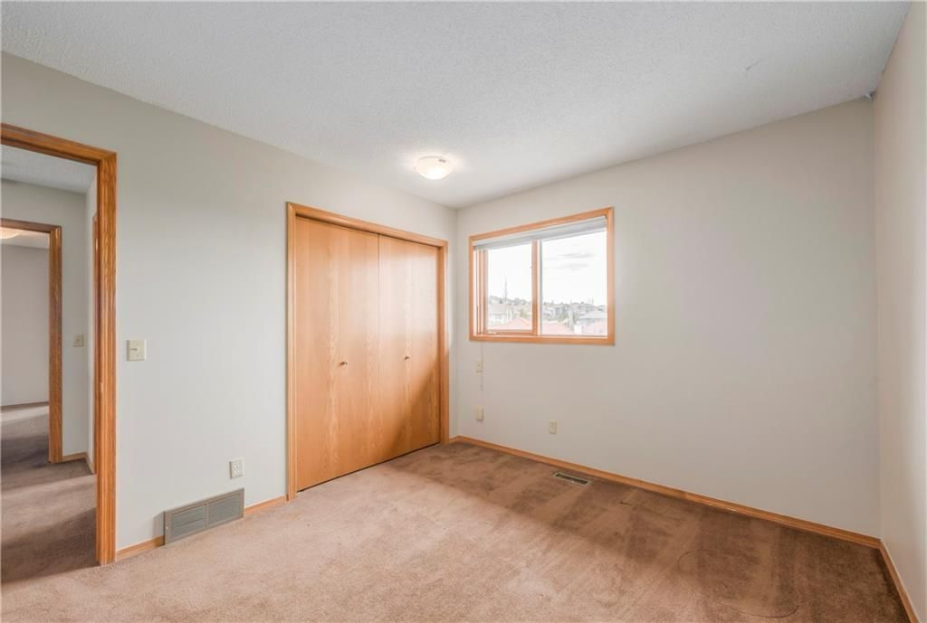 Photo 30: Photos: 2603 SIGNAL RIDGE View SW in Calgary: Signal Hill House for sale : MLS®# C4177922