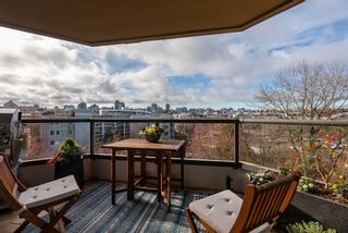"""Photo 29: 510 1490 PENNYFARTHING Drive in Vancouver: False Creek Condo for sale in """"Harbour Cove"""" (Vancouver West)  : MLS®# R2618903"""