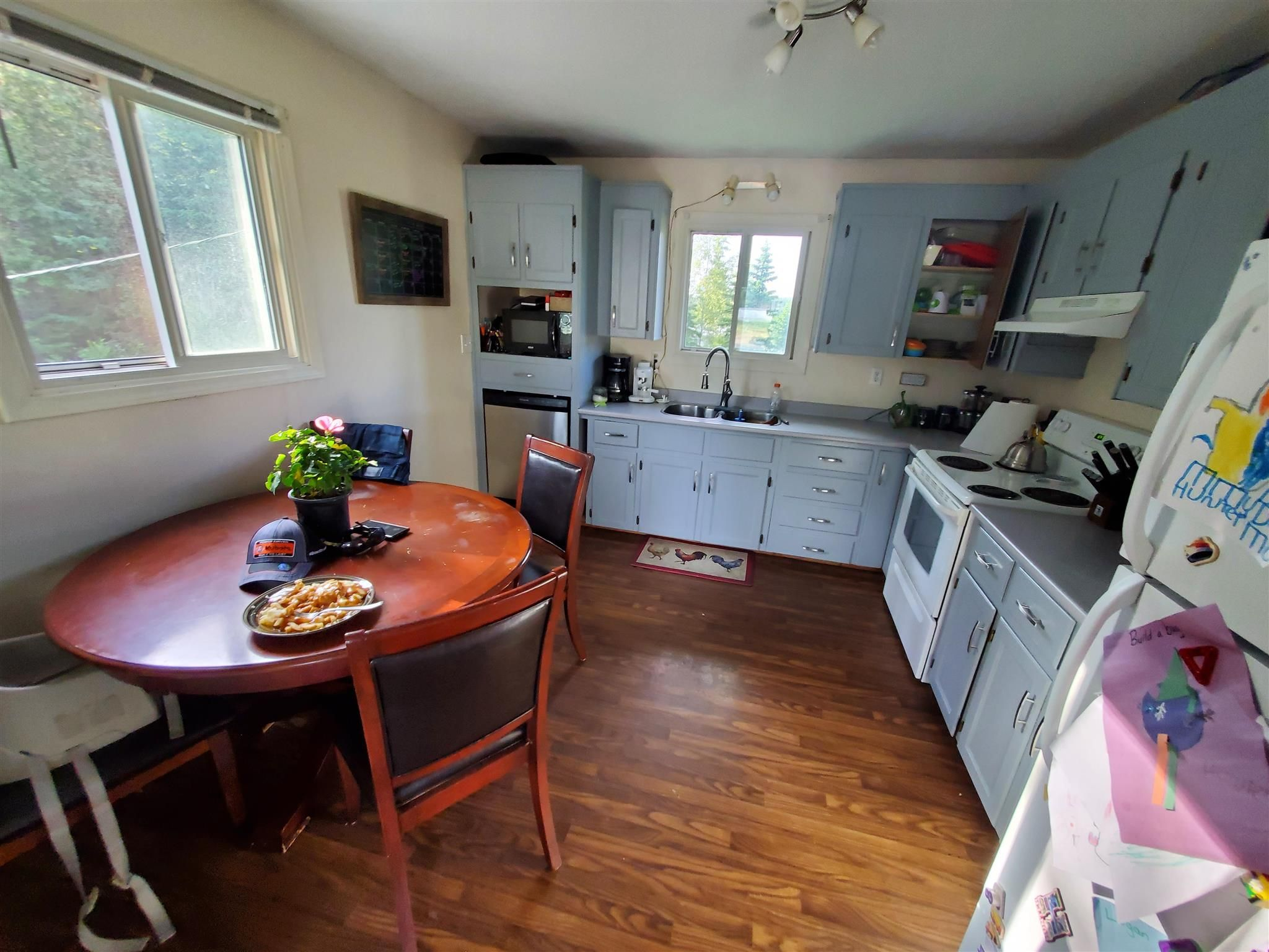 Photo 4: Photos: 1195 - 1197 OMEGA Road in Quesnel: Quesnel - Rural North Duplex for sale (Quesnel (Zone 28))  : MLS®# R2600496