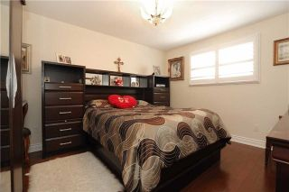 Photo 3: 704 Coulson Avenue in Milton: Timberlea House (Bungalow) for sale : MLS®# W3620366