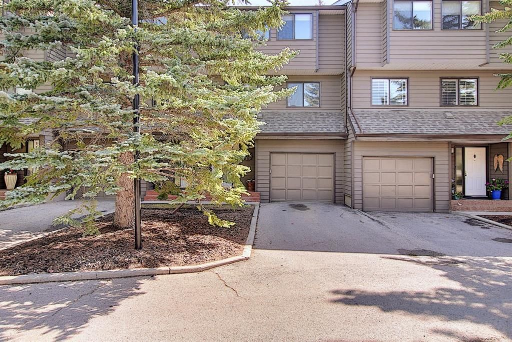 Main Photo: 1209 3240 66 Avenue SW in Calgary: Lakeview Row/Townhouse for sale : MLS®# A1136808