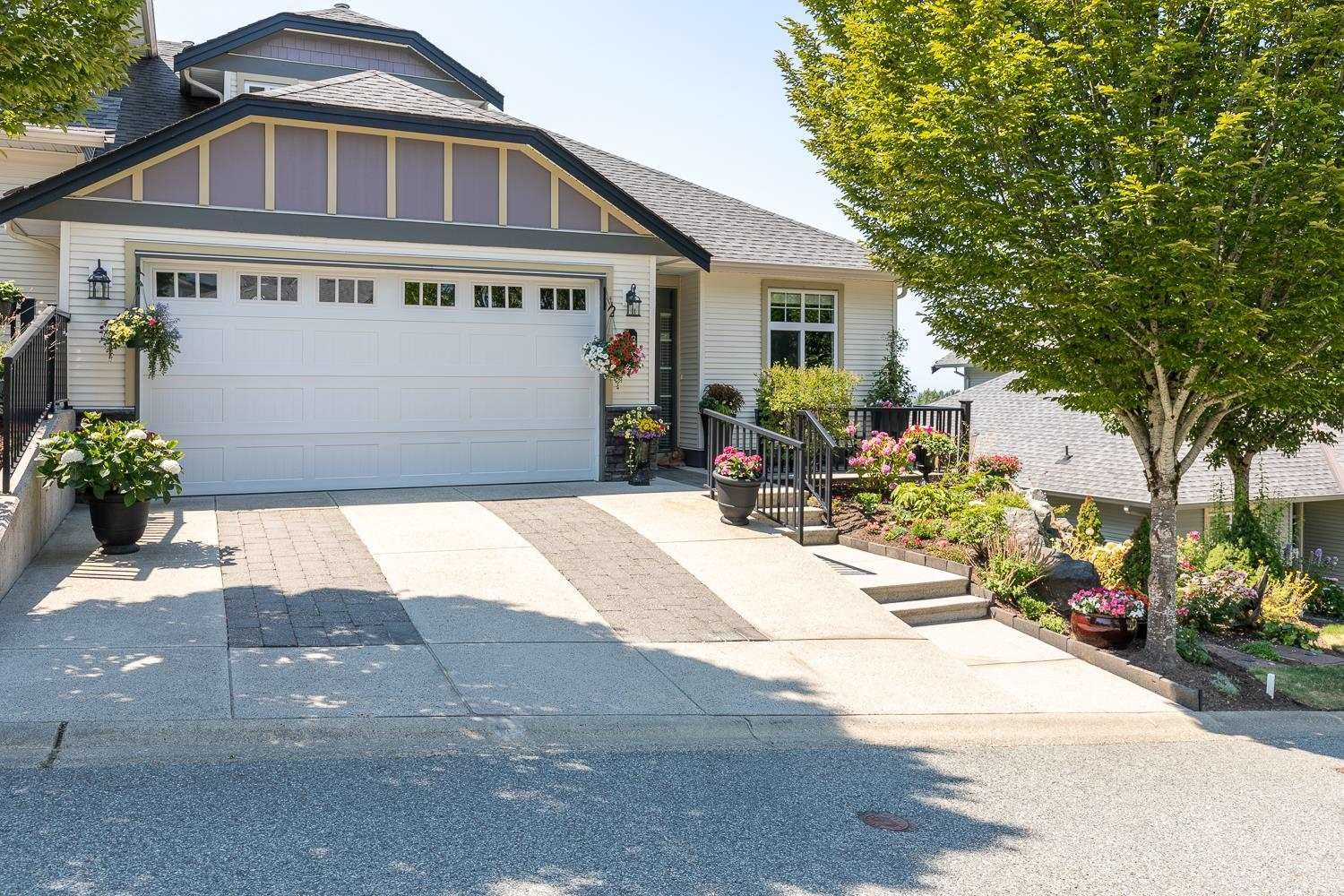 """Main Photo: 38 36260 MCKEE Road in Abbotsford: Abbotsford East Townhouse for sale in """"KING'S GATE"""" : MLS®# R2606381"""