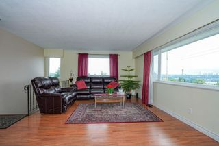 Photo 3: 407 SCHOOL STREET in New Westminster: The Heights NW House for sale : MLS®# R2593334