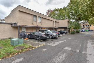 """Photo 2: 98 17718 60 Avenue in Surrey: Cloverdale BC Townhouse for sale in """"Clover Park Gardens"""" (Cloverdale)  : MLS®# R2339637"""