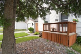 Photo 48: 121 5th ST SE in Portage la Prairie: House for sale : MLS®# 202121621