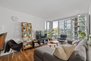 """Photo 5: 708 1495 RICHARDS Street in Vancouver: Yaletown Condo for sale in """"AZURA II"""" (Vancouver West)  : MLS®# R2606162"""