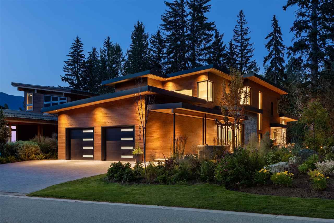 """Main Photo: 8015 CYPRESS Place in Whistler: Green Lake Estates House for sale in """"Cypress Place"""" : MLS®# R2553586"""
