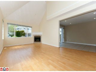 "Photo 3: 67 13918 58TH Avenue in Surrey: Panorama Ridge Townhouse for sale in ""ALDER PARK"" : MLS®# F1009963"