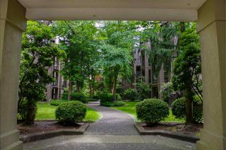"""Photo 15: 104A 2615 JANE Street in Port Coquitlam: Central Pt Coquitlam Condo for sale in """"BURLEIGH GREEN"""" : MLS®# R2460355"""
